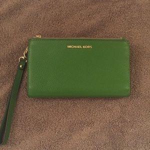 Michael Kors Double Zip Travel Wallet